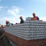 темпы строительства увеличиваются...
