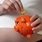 беременным женщинам часто требуется материальная поддержка...