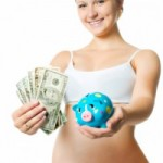 Беременная женщина с копилкой